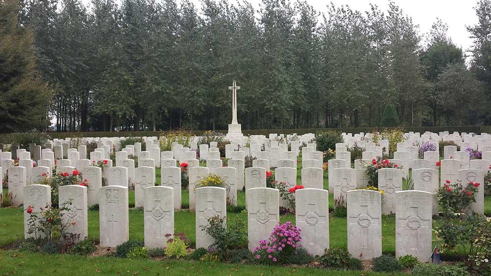 Auchonvillers Cemetery, 2013