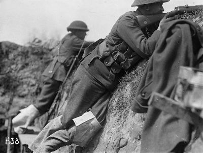 New Zealand troops keep guard in a trench in the Messines sector, May 1917