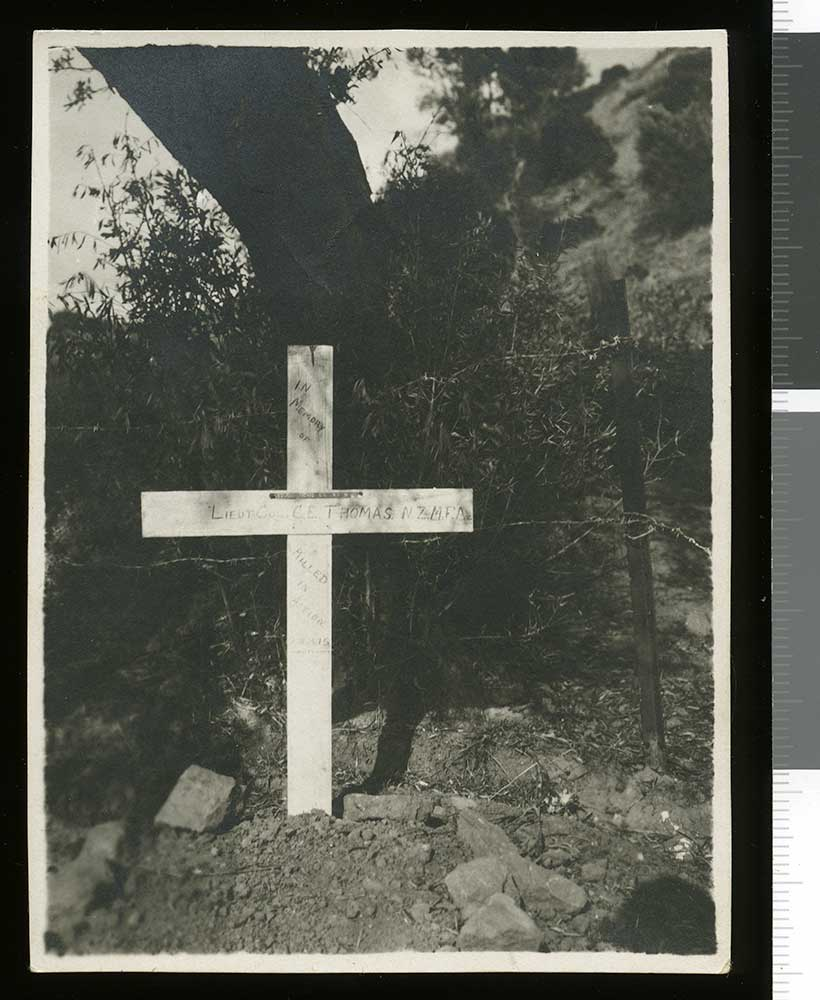 Charles Ernest Thomas' grave, Gallipoli